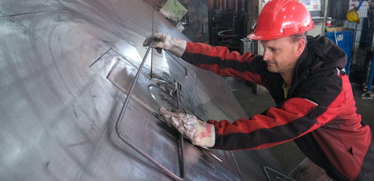 CNC-gesteuerte Brennschneidemaschine und Hochleistungs-Plasmaschneidanlage beim Handelshof Cottbus - Partner für Technik