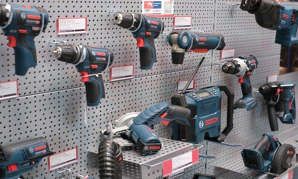 Fachgroßhandel Bau- und Werkzeugtechnik
